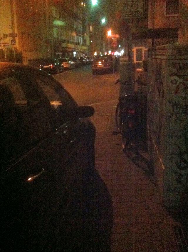 wiesenstrasse-zugeparkt-12