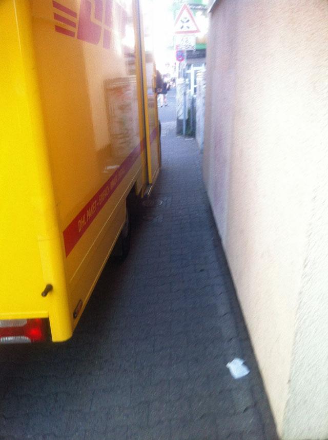 wiesenstrasse-zugeparkt-4