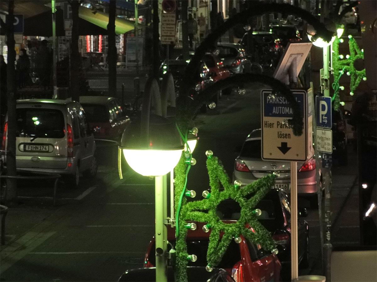 Weihnachtsbeleuchtung in der Berger Straße